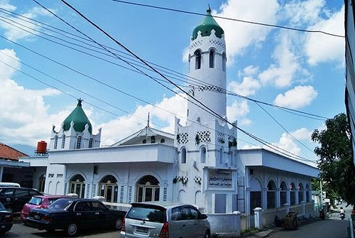 Image result for Masjid Annur dan Makam Habib Empang
